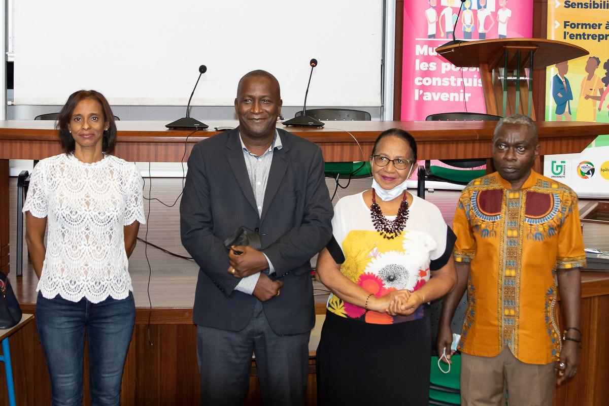 Signature de convention entre l'Université de Guyane et le MEDEF Guyane